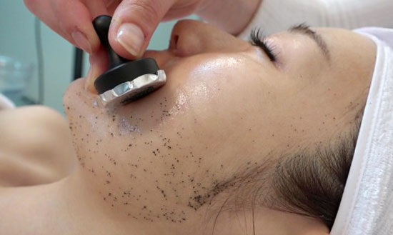Black-Magnetic-Therapy-Set-Facial-Singapore